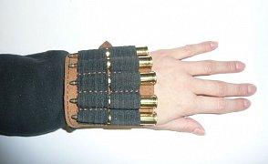 Pouzdro na kulové náboje na hřbet ruky