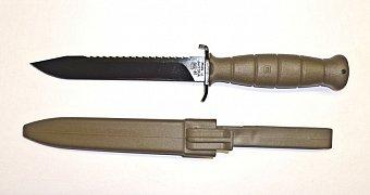 Nůž Glock  FM 81 zelený s pilkou